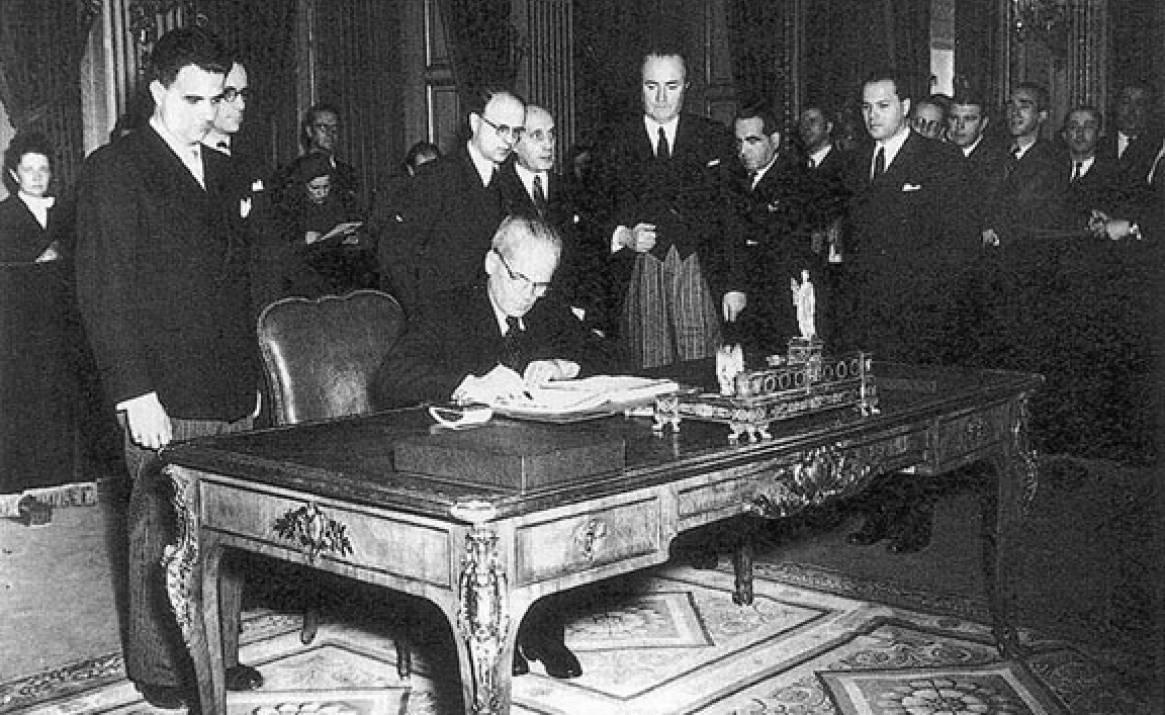 a párizsi szerződés aláírása